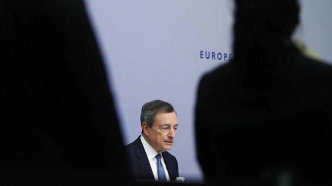 Драги: Нелибералните идеологии го загрозуваат еврото