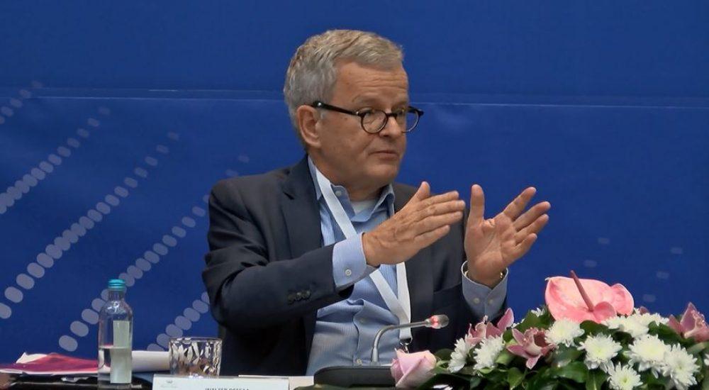 Советникот на Меркел предупредува: Нема резултати без имплементација на економските реформи