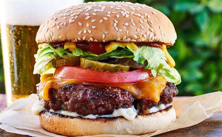 Наскоро хамбургер од 8.8 евра исклучиво од растително месо
