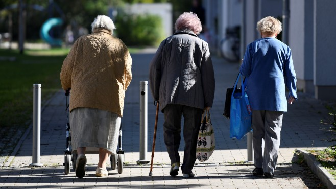 Економистите бараат поместување на старосната граница за пензија во Германија?!