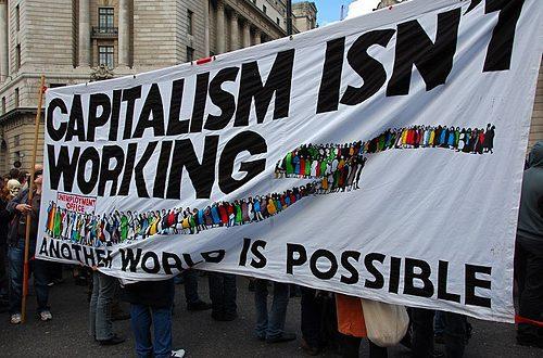 Повеќето луѓе веруваат дека денешниот капитализам повеќе штети отколку што користи