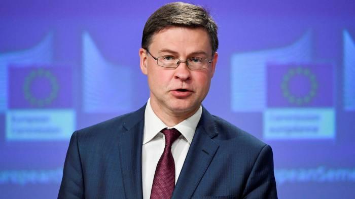 """Домбровскис: """"Ни треба дигитално евро"""""""