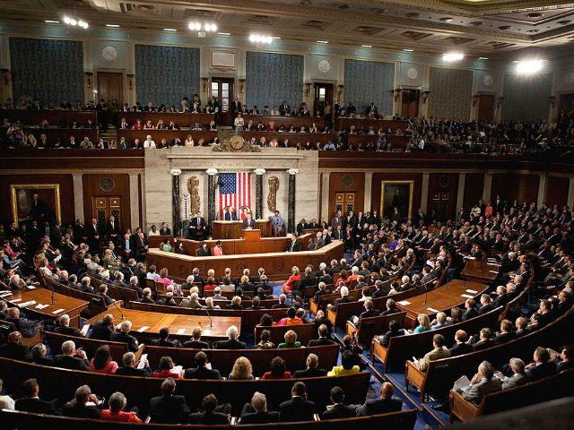 Конгресот во САД го усвои корона-пакетот помош вреден 1.900 милијарди долари