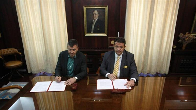 Поштите на Србија и Македонија потпишаа Протокол за деловна соработка